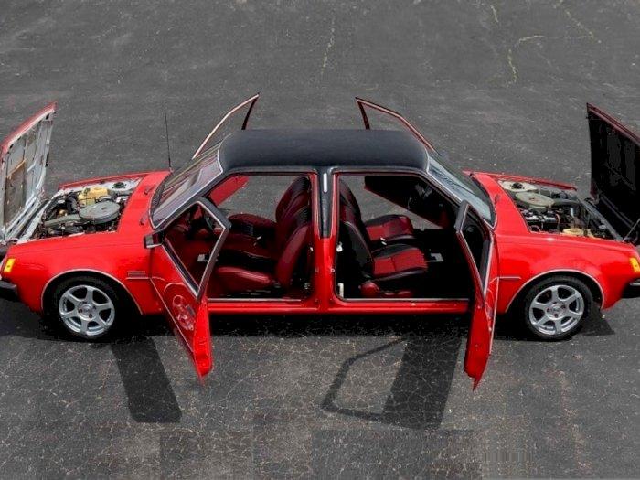 Unik, Mobil 'Depan Bisa Belakang Bisa' dari Sedan Dodge Lawas