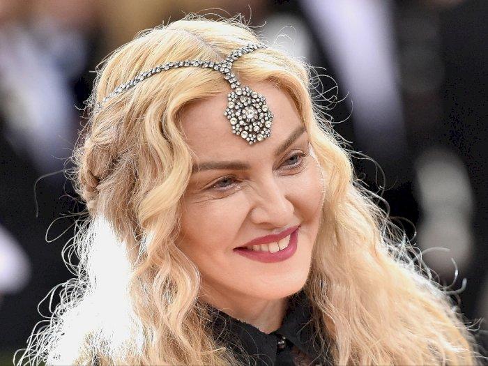 Klaim Punya Antibodi Covid-19, Madonna Pergi ke Pesta