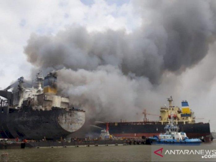 Tim SAR Lakukan Penyelidikan Terkait Penyebab Kebakaran Kapal Tanker di Belawan