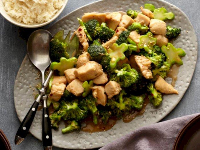 Resep Ayam Brokoli Lada Hitam untuk Makan Malam Bersama Keluarga