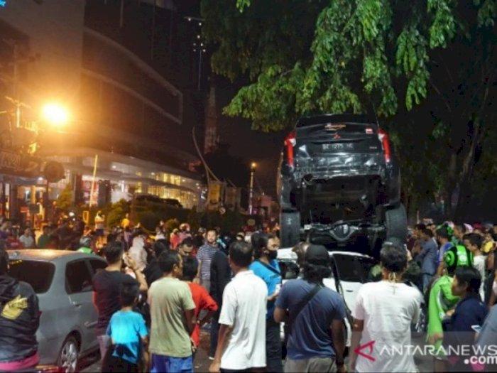 Video: Kecelakaan Mobil Beruntun di Jalan Ringroad Medan, Satu  Orang Luka