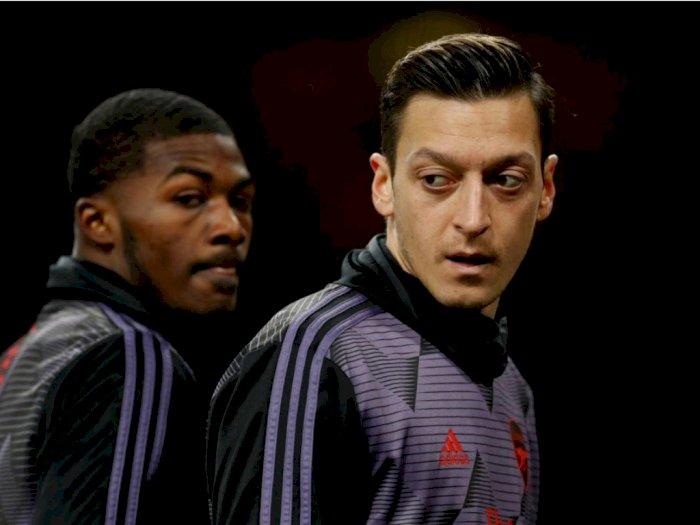 Unai Emery Kembali Kecam Sikap Mesut Ozil