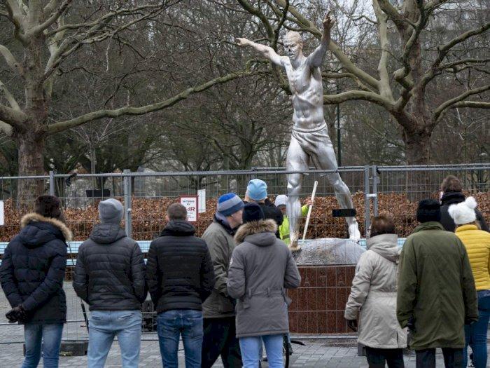 Patung Zlatan Ibrahimovic Akan Dipindah Untuk Hindari Vandalisme