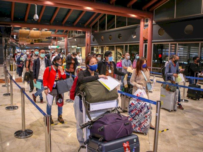 Ratusan Orang Ditolak Terbang dari Bandara Soetta, Kok Bisa?