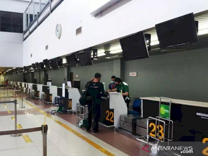 Maskapai dan Bandara Tidak Menanggung Biaya Tes COVID-19, Ratusan Penumpang Batal Terbang