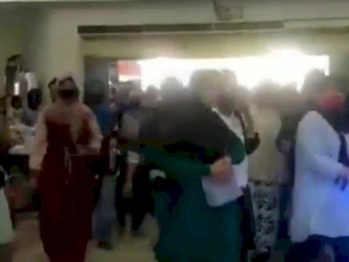Video Warga Serbu Rangkas Bitung Indah Plaza hingga Desak-desakan Bikin Miris