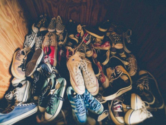 Cara Mudah Hilangkan Kuman pada Sepatu dengan Disinfektan