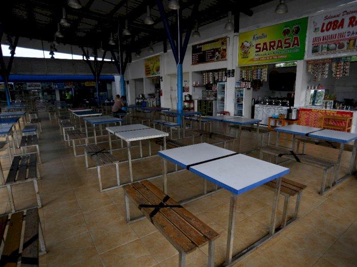 FOTO: Rest Area Tol Cikampek-Jakarta Sepi Akibat Larangan Mudik