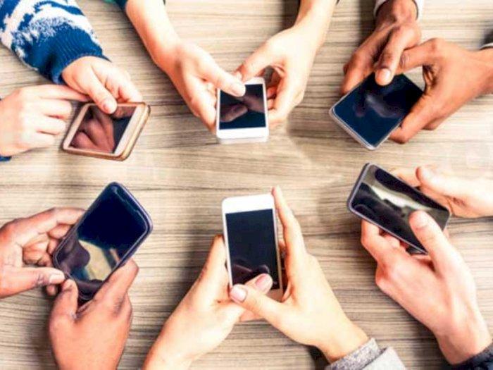 Punya Lebih dari Satu Smartphone untuk Aktivitas Sehari-hari, Worth It Nggak Sih?