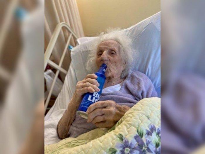 Sembuh dari COVID-19 Nenek 103 Tahun di AS Meminta Dibelikan Bir Dingin