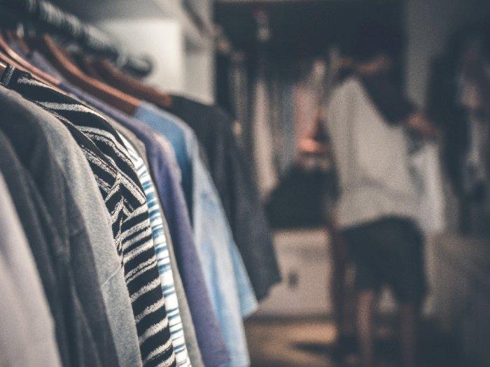 3 Cara Menghilangkan Bau Apek Pada Pakaian yang Bisa Kamu Coba