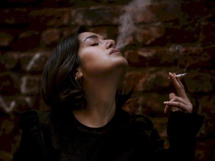 Ini Bahaya Merokok yang Hanya Dialami Perempuan