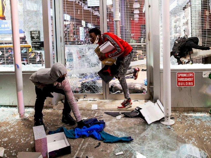 FOTO: Aksi Penjarahan Oleh Demonstran Kasus Kematian George Floyd