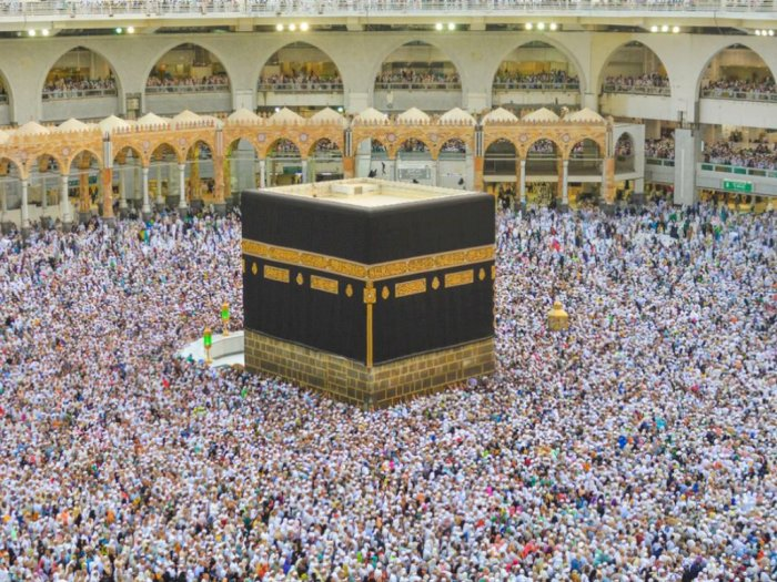 Berikut Perbedaan Haji dan Umrah: Hukum, Waktu, dan Rukun Ibadah