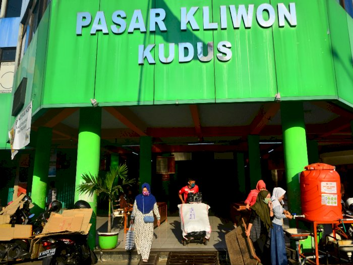 Di Tengah Corona, Presiden Jokowi Dinilai Lebih Perhatian ke Mal Daripada Pasar
