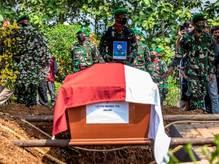 FOTO: Suasana Haru Pemakaman Korban Jatuhnya Helikopter  MI-17