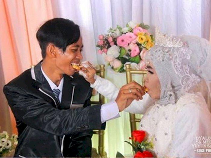 Pemuda 25 Tahun Nikahi Nenek 65 Tahun, Sama-Sama Orang Susah, Tapi Tetap Bahagia dan Mesra