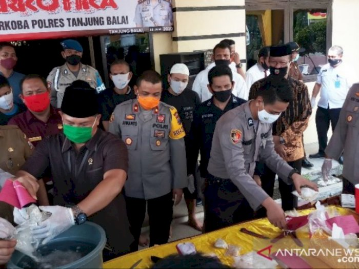 Polres Tanjungbalai Musnahkan Ribuan Barang Bukti Kasus Narkoba