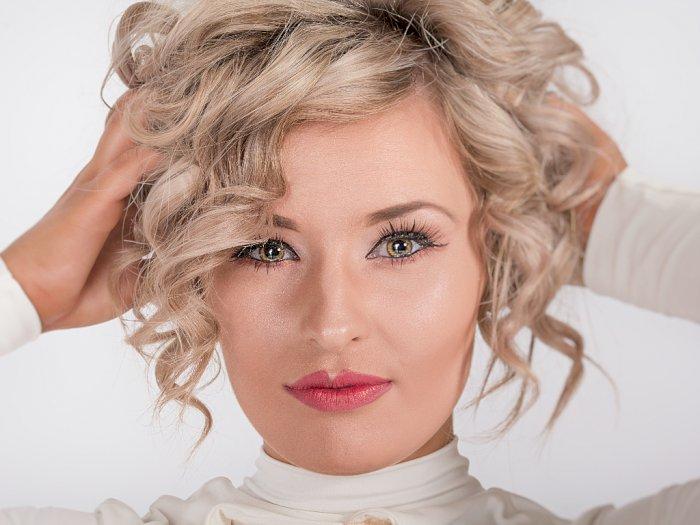 Warna Rambut Bisa Jadi Patokan untuk Memilih Warna Lipstik