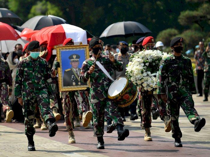 FOTO: Mantan KSAD Pramono Edhie Wibowo Dimakamkan di TMP Kalibata