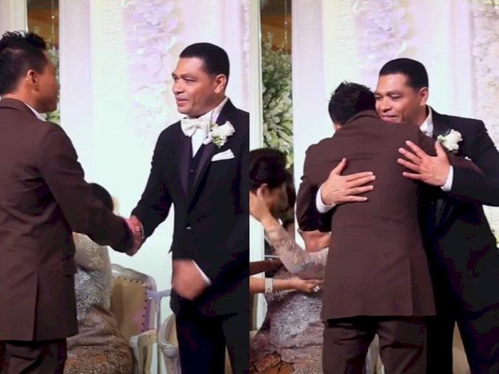 Video Pernikahan Krisdayanti Trending, Anang Tampak Tegar Peluk Raul Lemos