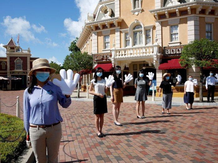 FOTO: Disneyland Hong Kong Kembali Dibuka, Pengunjung Dibatasi