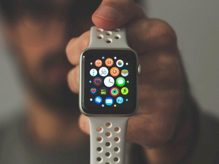 Berkat Apple Watch, Pria 92 Tahun Selamat Setelah Jatuh dari Tangga!