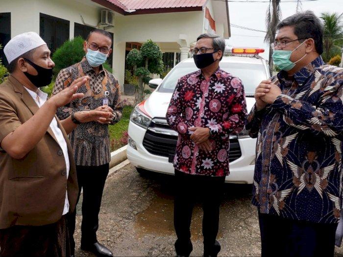 Toyota Donasi Ambulance hingga Sembako ke Pondok Pesantren di Banten