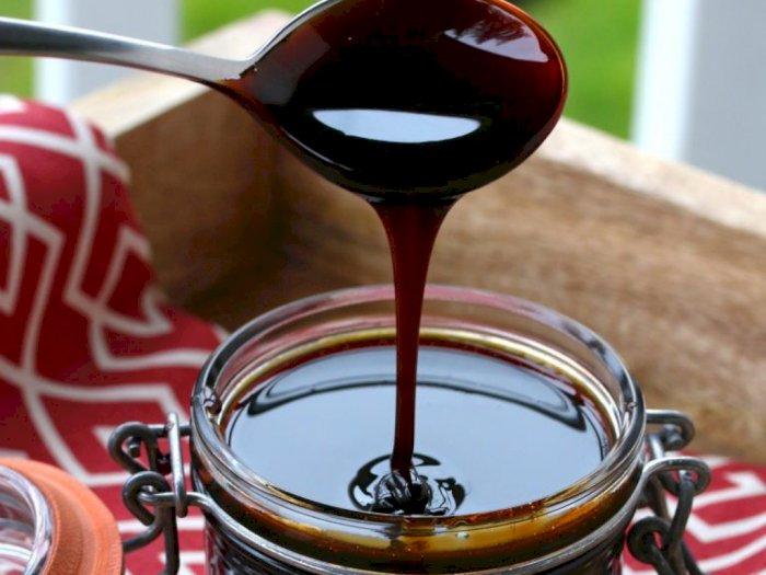 Sering Tambah Kecap ke Makanan, Waspada Risiko Hipertensi