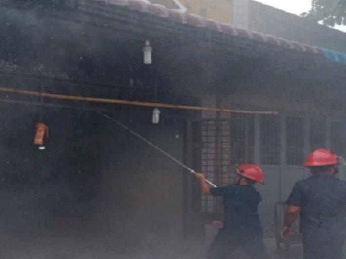 Kebakaran Terjadi di Marelan, Dua Ruko Usaha Ludes