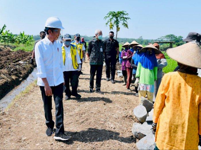 FOTO: Presiden Jokowi Tinjau Posko Covid-19 Hingga Proyek Padat Karya