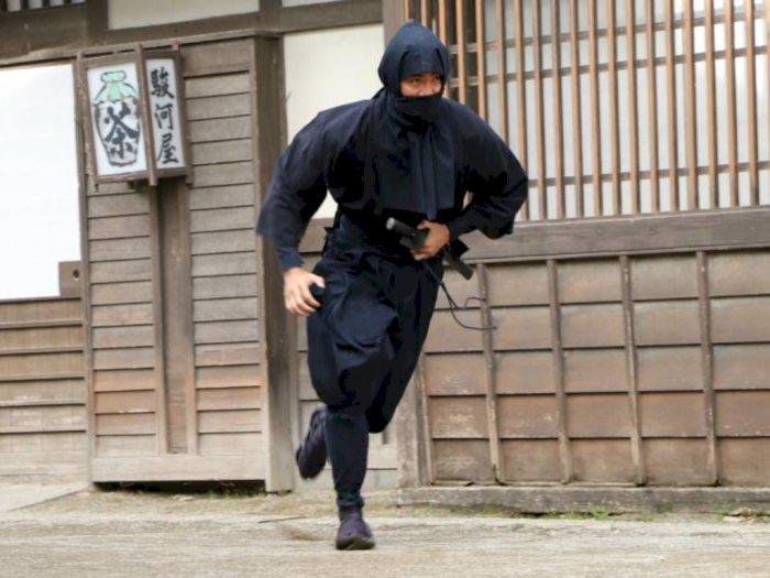Bukan dari Film, di Kehidupan Nyata Pria Ini Perdalam Ninja Hingga Raih Gelar Magister