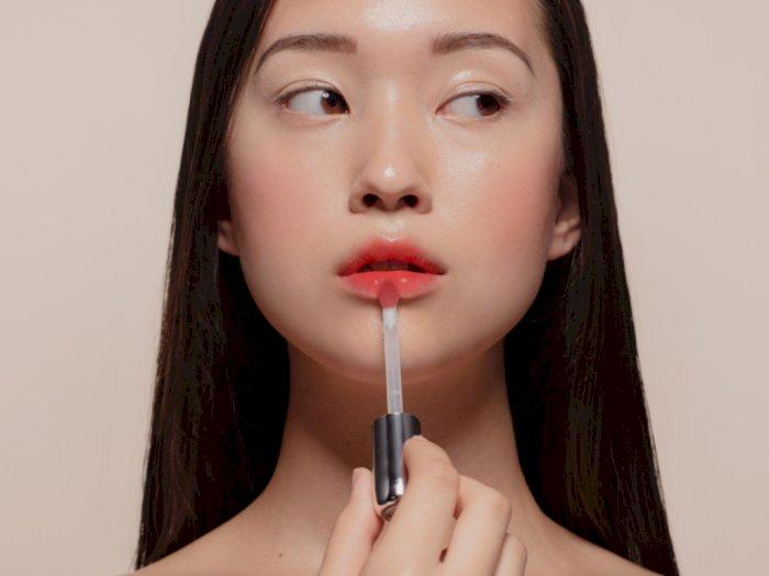 3 Rekomendasi Lip Tint Cocok Digunakan saat Pakai Masker