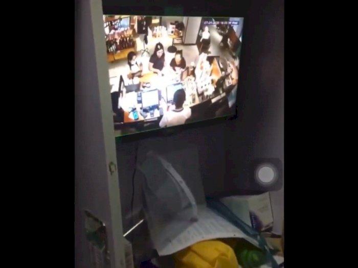 Intip Payudara Pengunjung Starbucks Lewat CCTV, Penyebar Video Bisa Dijerat UU ITE