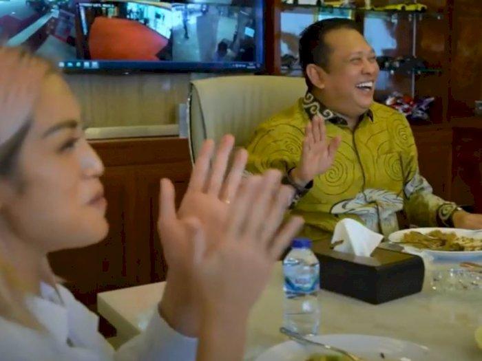 Momen Kocak saat Ketua MPR Bamsoet Menggombal Artis Jessica Iskandar