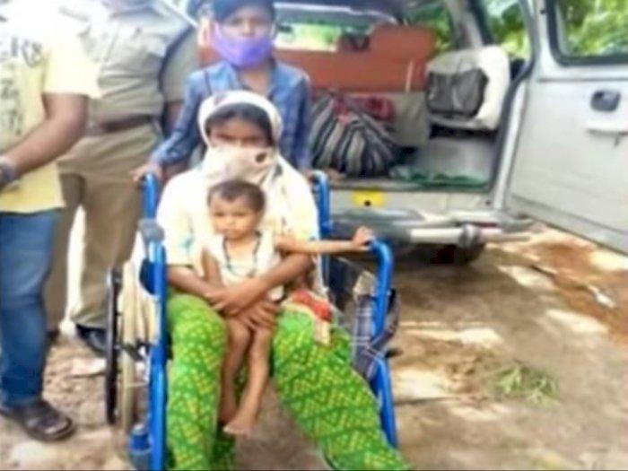 Bikin Terharu, Bocah Ini Rela Mudik Jalan Kaki 350 KM Sambil Dorong Kursi Roda Ibunya