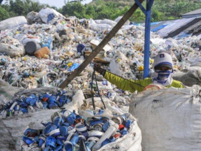Pariwisata Laut Indonesia Terganggu Akibat Sampah Plastik
