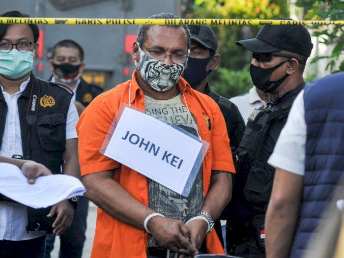FOTO: John Kei Hadiri Rekonstruksi Rencana Penyerangan Nus Kei