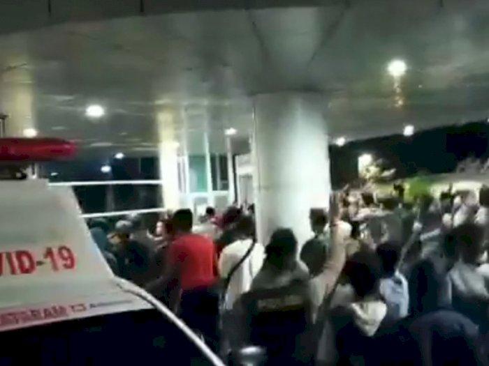 Polisi Kalah Jumlah, Viral Warga Ambil Paksa Jenazah Pasien Corona di RSUD Kota Mataram