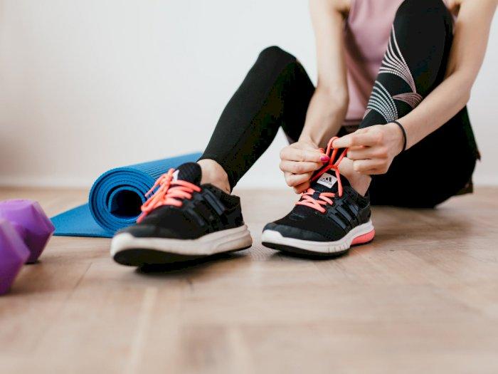 Walau Di Rumah, Olahraga Ini Harus Dilakukan Menggunakan Sepatu