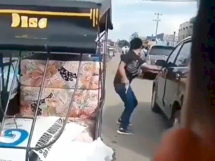 Viral Aksi Baku Tembak Bak Film Action di OKI, Polisi vs Penjahat Terdengar Suara Tembakan