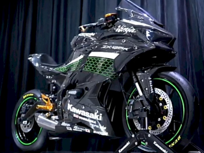 Kawasaki Punya Versi Ninja ZX-25R Karbon Modifikasi