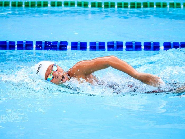 Bisa Bantu Bangun Otot, Ini Cara Berenang yang Tepat