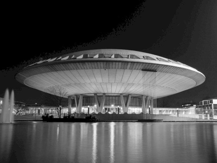 Mantan Pejabat di Pentagon Sebut UFO Benar-Benar Ada di Luar Angkasa!