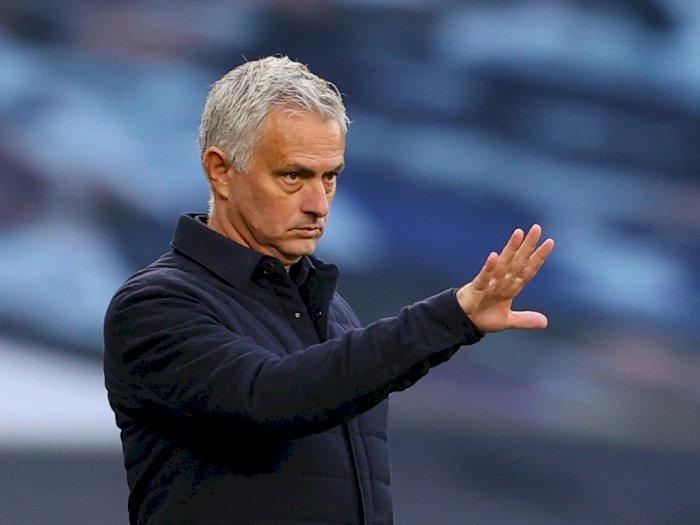 Jose Mourinho Tak Senang Manchester City Lolos dari Sanksi UEFA