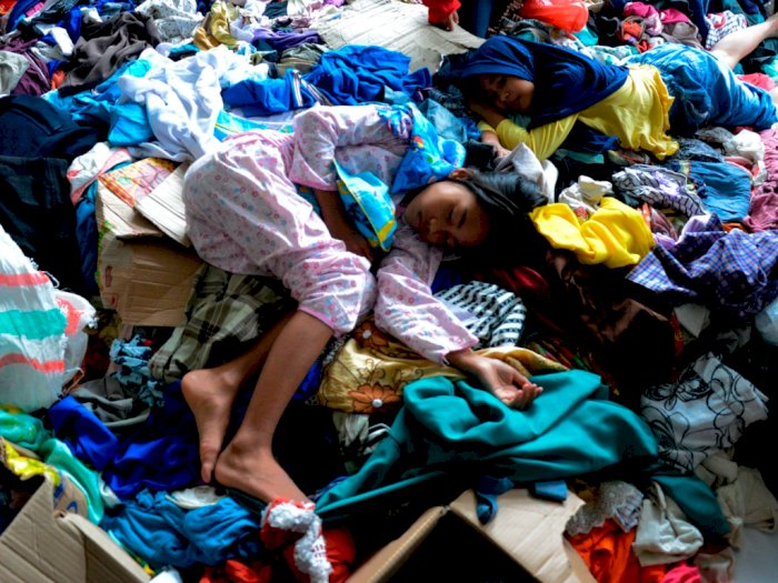 FOTO: 15.994 Warga Mengungsi Akibat Banjir Bandang Masamba