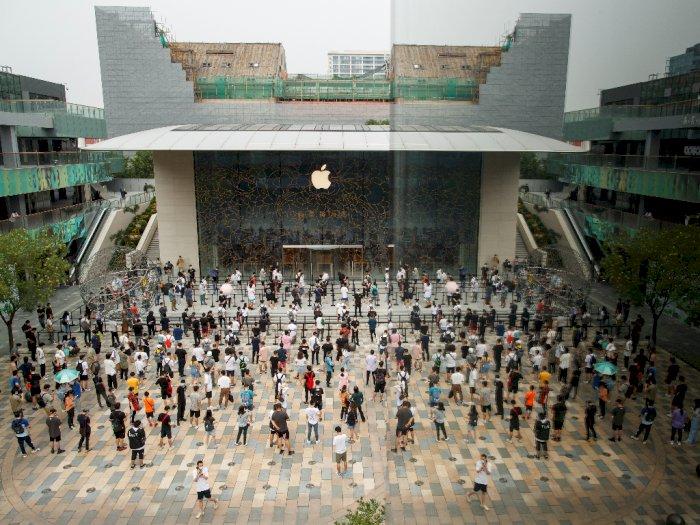 FOTO: Melihat Ramainya Apple Store di Beijing Setelah Dibuka Kembali oleh Apple!