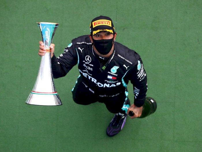 FOTO: Lewis Hamilton Juara F1 Grand Prix Hungaria