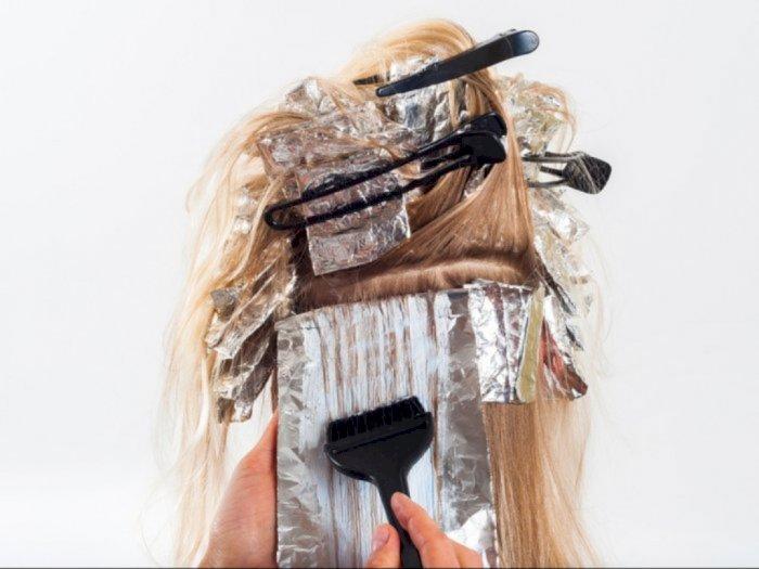 Selama Masa Transisi New Normal, Banyak yang Ganti Warna Rambut