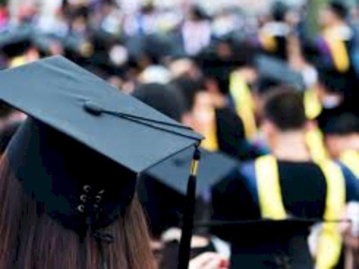Ribuan Anak Pengemudi Taksi Terdampak Covid Raih Beasiswa